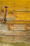 Παλαιό ξύλινο υπόβαθρο πορτών αγροτικών σιταποθηκών Στοκ φωτογραφίες με δικαίωμα ελεύθερης χρήσης