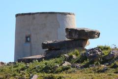 Παλαιές πέτρες και ένας μύλος στοκ φωτογραφία με δικαίωμα ελεύθερης χρήσης