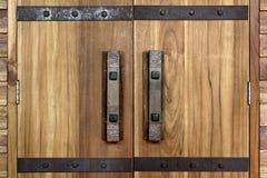 Παλαιές παλαιές λαβή πορτών και κλειδαριά πορτών Στοκ φωτογραφία με δικαίωμα ελεύθερης χρήσης