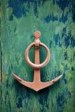 Παλαιές πόρτες με την άγκυρα χαλκού Στοκ Φωτογραφία