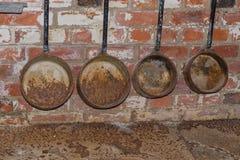 Παλαιές σκουριασμένες κουτάλες χυτηρίων Στοκ φωτογραφίες με δικαίωμα ελεύθερης χρήσης
