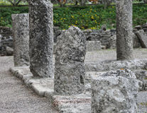 Παλαιές στήλες ενός ναού Ρωμαίος Στοκ φωτογραφία με δικαίωμα ελεύθερης χρήσης