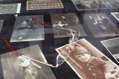 Παλαιές φωτογραφίες σε γραπτό Στοκ Εικόνα