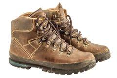 Παλαιές χρησιμοποιημένες πραγματοποιώντας οδοιπορικό μπότες που ψαλιδίζουν την πορεία Στοκ εικόνες με δικαίωμα ελεύθερης χρήσης