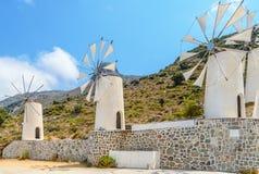 Παλαιοί ανεμόμυλοι στο νησί της Κρήτης Στοκ Φωτογραφίες