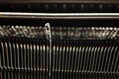 Παλαιοί απεργοί πιάτων γραφομηχανών με τις επιστολές και τα σύμβολα Στοκ φωτογραφία με δικαίωμα ελεύθερης χρήσης