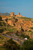 Παλαιοί αρχαίοι τοίχος καταστροφών πόλεων και δρόμος Fes, Μαρόκο Στοκ Εικόνα