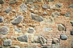 Παλαιοί πέτρα και τουβλότοιχος του κάστρου Στοκ Εικόνες