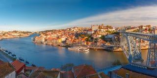 Παλαιοί πόλη και ποταμός Douro στο Πόρτο, Πορτογαλία Στοκ φωτογραφία με δικαίωμα ελεύθερης χρήσης