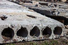 Παλαιοί τσιμεντένιοι ογκόλιθοι Στοκ Φωτογραφία