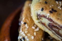 """Παλαιστινιακό μπισκότο με τις ημερομηνίες αποκαλούμενες makrota, Ù… Ù 'روطة Ù  Ù """"Ø ³ طي٠† ية Στοκ Φωτογραφίες"""