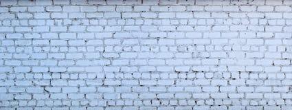 Παλαιός άσπρος τουβλότοιχος με το shabby χρώμα Στοκ Εικόνες