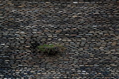 Παλαιός γκρίζος τοίχος πετρών, υπόβαθρο Στοκ φωτογραφίες με δικαίωμα ελεύθερης χρήσης