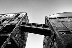 Παλαιός εγκαταλείψτε το εργοστάσιο Στοκ φωτογραφία με δικαίωμα ελεύθερης χρήσης