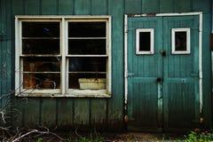 Παλαιός εγκαταλείψτε το υπόστεγο Στοκ Εικόνες