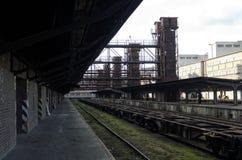Παλαιός εγκαταλειμμένος βιομηχανικός σιδηροδρομικός σταθμός στην Πράγα Στοκ Εικόνες