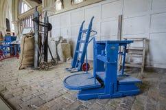 Παλαιός εξοπλισμός καλλιέργειας - κλίμακες Στοκ Φωτογραφία