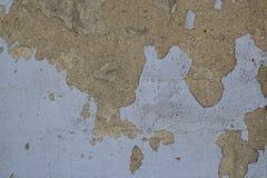 Παλαιός θλιβερός συμπαγής τοίχος με το shabby χρώμα στοκ εικόνα