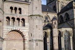 Παλαιός καθεδρικός ναός Στοκ φωτογραφία με δικαίωμα ελεύθερης χρήσης