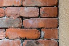 παλαιός κόκκινος τοίχος σύστασης λεπτομέρειας τούβλου ανασκόπησης αρχιτεκτονικής Στοκ εικόνα με δικαίωμα ελεύθερης χρήσης