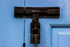 παλαιός κλειδωμάτων που οξυδώνεται Στοκ εικόνες με δικαίωμα ελεύθερης χρήσης