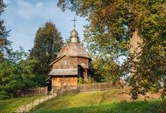 παλαιός ξύλινος εκκλησ&iot Στοκ Φωτογραφίες