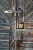 παλαιός ξύλινος πορτών Στοκ φωτογραφία με δικαίωμα ελεύθερης χρήσης