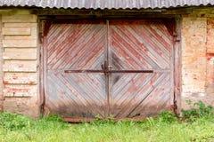 παλαιός ξύλινος πυλών στοκ εικόνα