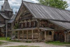 παλαιός ξύλινος σπιτιών Στοκ φωτογραφία με δικαίωμα ελεύθερης χρήσης
