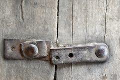 Παλαιός ξύλινος φράκτης με τα καρφιά σιδήρου Στοκ φωτογραφίες με δικαίωμα ελεύθερης χρήσης