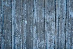 Παλαιός ξύλινος φράκτης με το μπλε shabby χρώμα Στοκ εικόνες με δικαίωμα ελεύθερης χρήσης