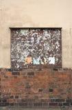 Παλαιός πίνακας διαφημίσεων στον τοίχο Στοκ φωτογραφίες με δικαίωμα ελεύθερης χρήσης