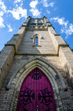 Παλαιός πύργος εκκλησιών πετρών Στοκ φωτογραφία με δικαίωμα ελεύθερης χρήσης