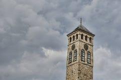 Παλαιός πύργος ρολογιών στην πόλη Σαράγεβο Στοκ φωτογραφία με δικαίωμα ελεύθερης χρήσης