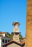 παλαιός πύργος ρολογιών Στοκ εικόνες με δικαίωμα ελεύθερης χρήσης