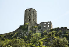 Παλαιός πύργος σε Pocitelj η χορήγηση του συνδετήρα της Βοσνίας περιοχών περιοχής που χρωματίστηκε η Ερζεγοβίνη περιλαμβάνει σημα Στοκ Φωτογραφία