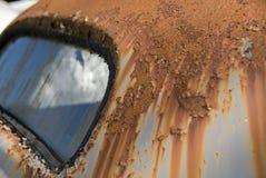 παλαιός σκουριασμένος αυτοκινήτων Στοκ φωτογραφία με δικαίωμα ελεύθερης χρήσης