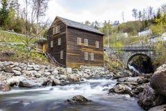 Παλαιός σταθμός παραγωγής ηλεκτρικού ρεύματος Στοκ Εικόνες
