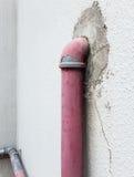 Παλαιός σωλήνας μετάλλων για το στόμιο υδροληψίας πυρκαγιάς στοκ φωτογραφίες