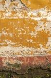 Παλαιός τοίχος με το θρυμματιμένος ασβεστοκονίαμα Στοκ Εικόνες