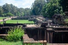 Παλαιός τοίχος πόλεων Angkor Thom Στοκ Φωτογραφίες