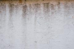 Παλαιός τοίχος στη λάσπη και λεκέδες από το νερό Στοκ εικόνα με δικαίωμα ελεύθερης χρήσης