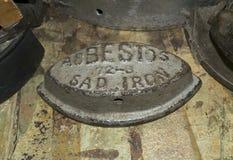 Παλαιός λυπημένος σίδηρος Στοκ εικόνα με δικαίωμα ελεύθερης χρήσης