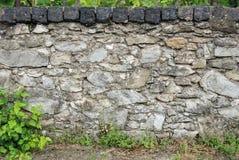 Παλαιός φράκτης βράχου στοκ εικόνες