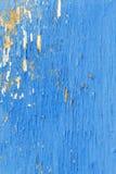 παλαιός χρωματισμένος ξύλ&i ραγισμένο χρώμα Στοκ Φωτογραφίες
