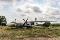 Παλαιότερο πέταγμα αεροσκαφών Στοκ φωτογραφία με δικαίωμα ελεύθερης χρήσης