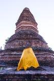 Παλαιό άγαλμα του Βούδα με την παγόδα στο tha wiang kan, αρχαία πόλη στο chiangmai Στοκ Φωτογραφίες