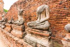 Παλαιό άγαλμα του Βούδα σε Wat Chaiwatthanaram Ayutthaya, Ταϊλάνδη Στοκ εικόνα με δικαίωμα ελεύθερης χρήσης