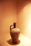 Παλαιό αγγείο σε έναν καφέ της Ελλάδας στοκ φωτογραφία