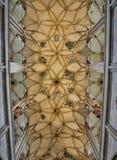 Παλαιό αναδρομικό υπόβαθρο εκκλησιών churchold αναδρομικό στο γοτθικό ύφος Στοκ Εικόνες